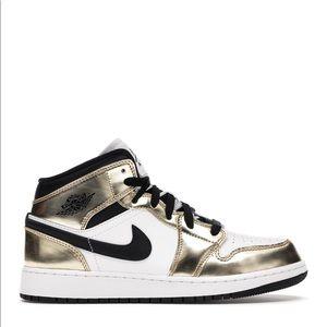 "⚜️*NEW* Air Jordan 1 Mid ""Metallic Gold"" (GS)"